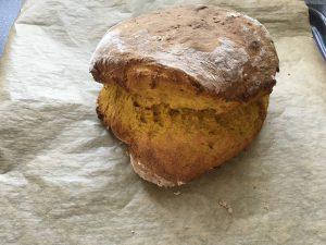 Brot ohne Form und vom Blech