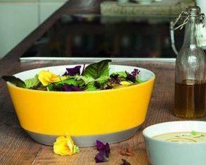 Salatschüssel Sonne bringt Freude auf den Esstisch